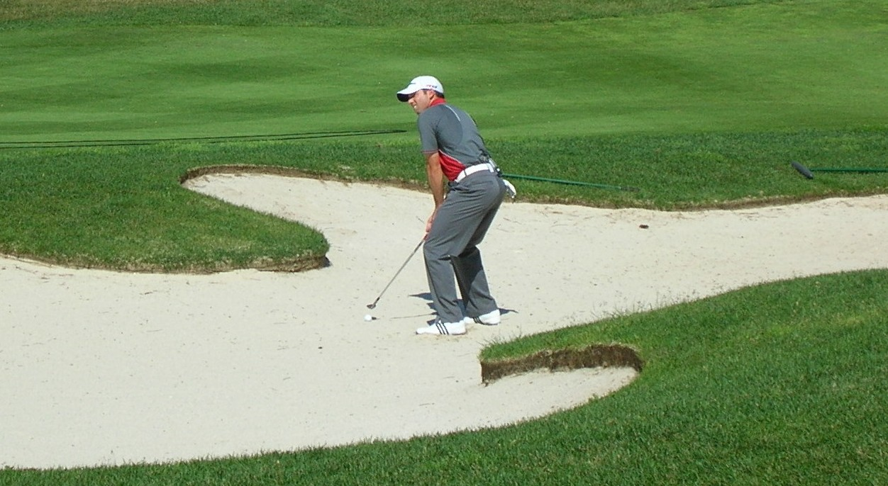 """What to do when you """"don't like playing sand shots"""" in golf - Golf Habits"""